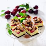 Plum cheesecake